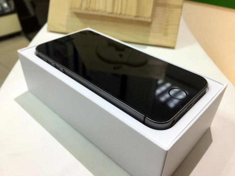 Фото iPhone 5S 16GB Space gray б/у